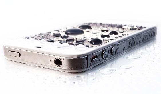 намоченый айфон, мокрый айфон,намокший iphone